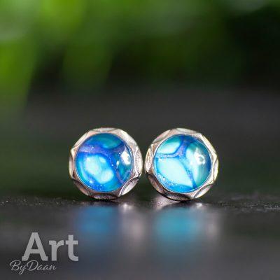 zilveren-oorknopjes-met-blauwe-steen3.jpg